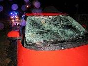 Střet osobního automobilu s chodcem v Sadové.