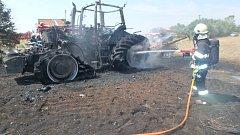 Požár zemědělského traktoru v Hlušicích.