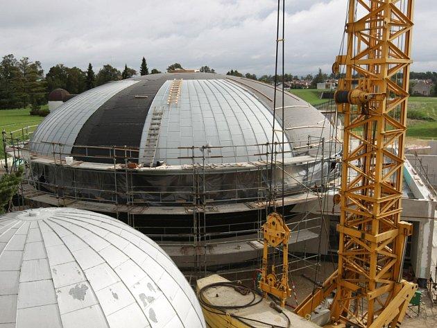 Stavba nového digitálního planetária u hvězdárny v Hradci Králové.