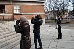 Italští studenti fotí Gočárovy stavby