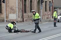 Tragická nehoda. Střet s nákladním vozidlem cyklistka nepřežila.