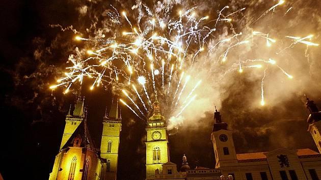 Slavnosti královny Elišky v Hradci Králové  - závěrečný ohňostroj.