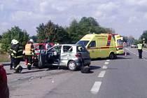 Dopravní nehoda dvou osobních automobilů u odbočky na Štěnkov na silnici I/11.