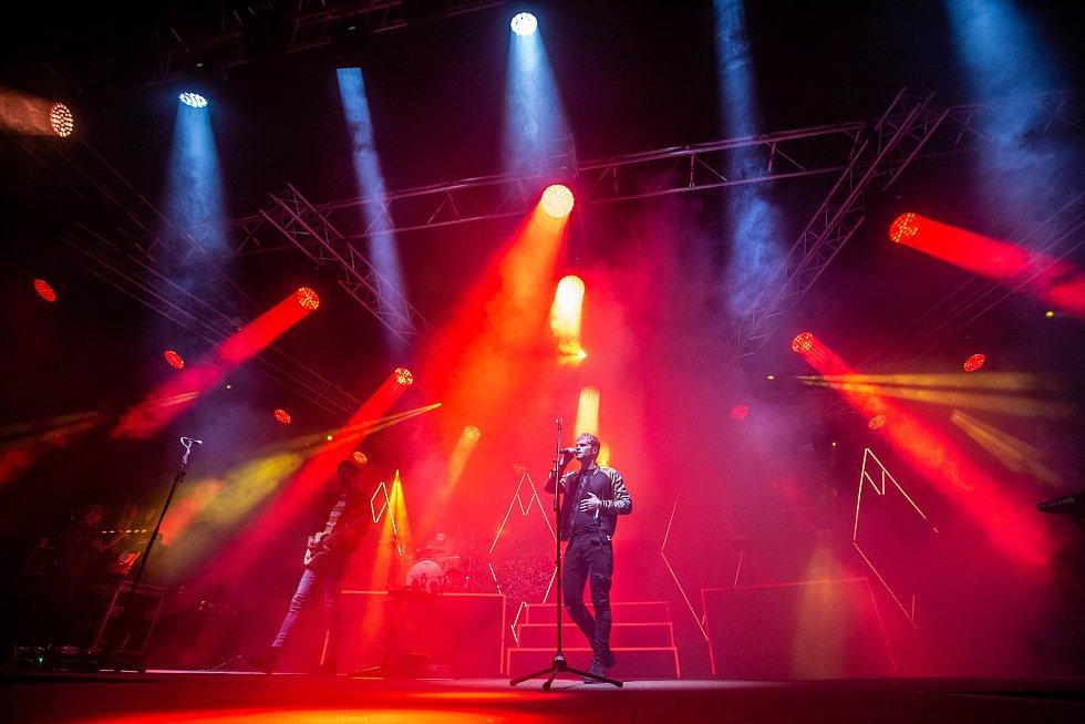 Z festivalu Rock for People: kytarista a zpěvák Steve Garrigan z irské skupiny Kodaline.