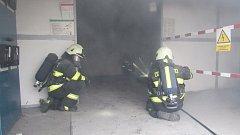 Požár trafostanice v hradecké ulici Bratří Štefanů.