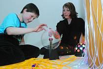 Speciální relaxační místnost začala 25. února sloužit dětem ve speciální škole v Hradecké ulici v Hradci Králové.