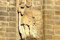 Socha muže s královskou korunou, považovaná za pivního boha Gambrina.