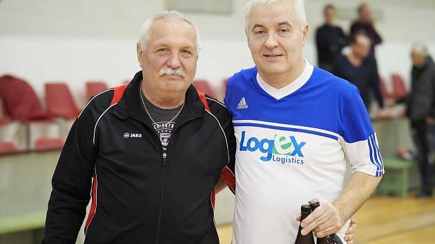 Svatoslav Kopecký (vpravo) na halovém turnaji.
