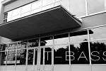 Zbrusu nové taneční studio otevírá hradecká skupina T-BASS v budově bývalé Severky na Slezském Předměstí a zároveň se chystá na další ročník Street manie na střeše Futura.