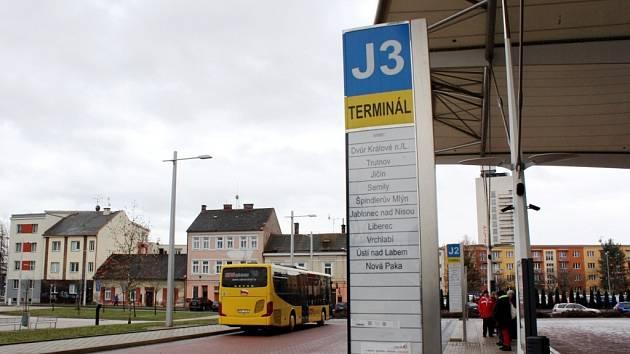 Terminál hromadné dopravy v Hradci Králové.