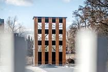 Cvičná věž na budovaném stadionu hasičů v Hradci Králové.