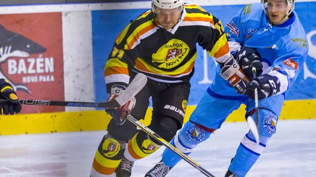 Novobydžovský hokejista Jan Kubišta v akci.