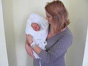 MELISA MUTHSAMOVÁ po porodu vážila 2810 g a měřila 45 cm. Svým příchodem na svět potěšila rodiče Denisu Jiráskovou a Richarda Muthsam z Lupenice.