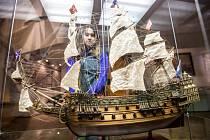 Na vlnách pod plachtami - výstava v královéhradeckému Muzeu východních Čech.