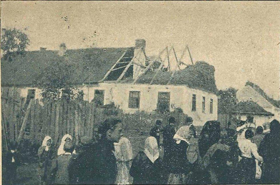 Škody způsobené tornádem v Malšovicích v roce 1899.