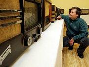 Sběratelská výstava Karla Rolla s názvem Rádio a já 2 v malém sále Kulturního domu v Nechanicích.