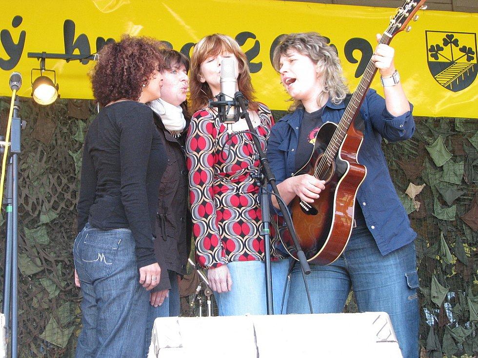 Smiřický hrnec 2009: vystoupení skupiny Přeletky M. S.