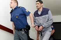 Krajský soud zamítl 5.května žádos Radka Nanára o poměrné zkrácení trestu odnětí svobody, které mu tento soud uložil 15. května roku 2008 ve spojení s usnesením Vrchního soudu v Praze ze dne 3. září 2008.