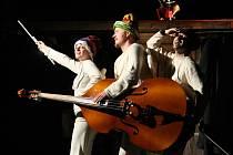 Vánoční divadelní inscenace Hej, mistře! v režii Filipa Humla.