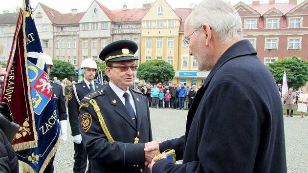 Slavnostní předávání ocenění příslušníkům Hasičského záchranného sboru Královéhradeckého kraje u příležitosti státního svátku 28. října.