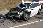 Na dálnici D11 u Dobřenic na Hradecku se srazila tři osobní auta a jedna dodávka.