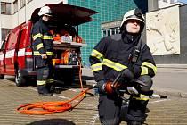 Převzetí nového zásahového vozidla od města královéhradeckými hasiči.