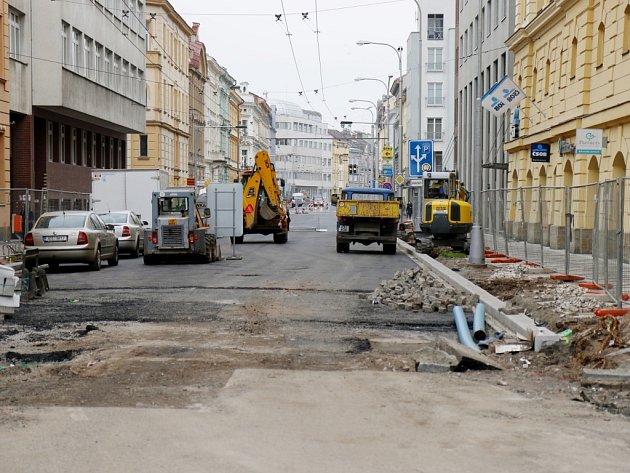 Rekonstrukce třídy ČSA v centru Hradce Králové.