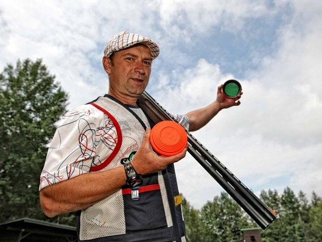 Střelec Jan Sychra.