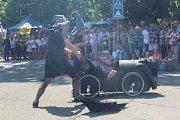 Další akce z cyklu Královéhradecká nábřeží patřila šlapadlům. Do Hradce zavítali i závodníci z Francie.