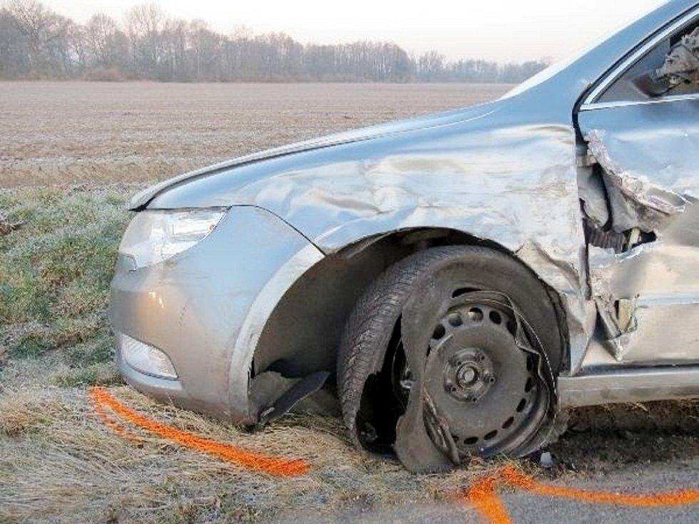 Dopravní nehoda dvou osobních automobilů v katastru obce Vysoká nad Labem.