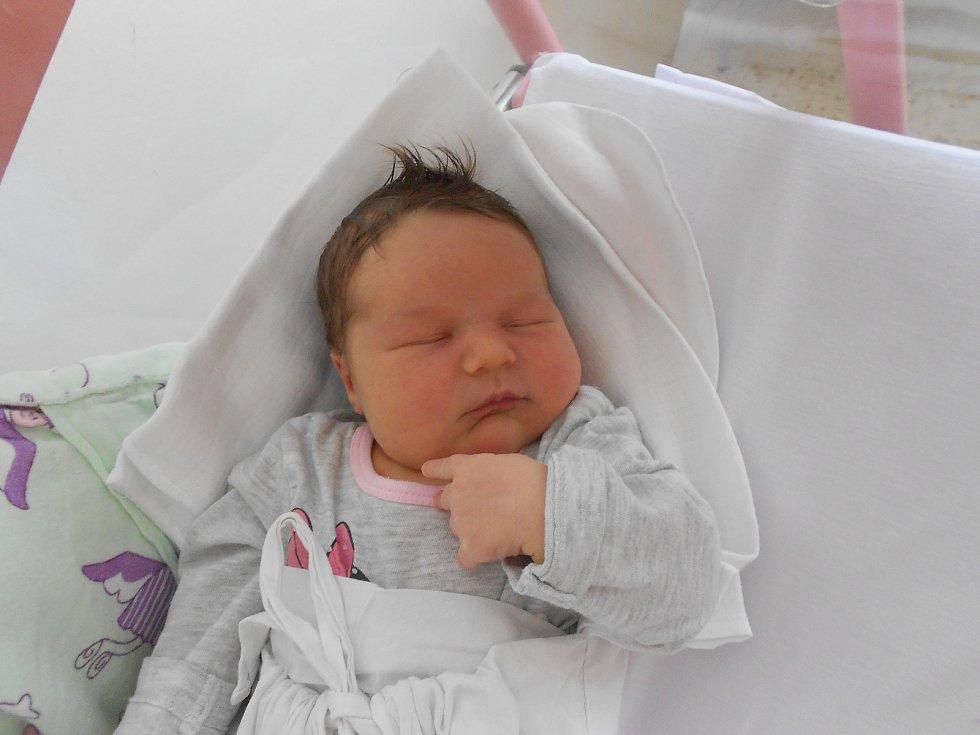 Barbora Bodnárová se narodila 10. 5. 2021 v10:14 hodin. Vážila 4 220 g a měřila 52 cm. Rodiče Michaela a Michal Bodnárovi pochází zKostelce nad Orlicí. Barborka má bratříčka. Tatínek byl u porodu a zvládl to výborně.