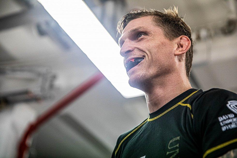 Trénink zápasníka MMA Davida Dvořáka