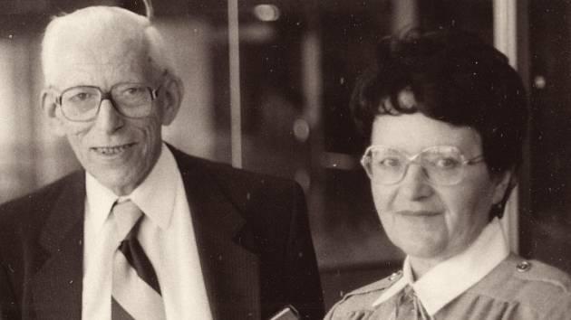 Blanka Brůnová s profesorem Ottou Wichterlem, s nímž spolupracovala na výzkumu měkkých kontaktních čoček.