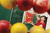 Dana Půhoná připravuje jednu ze tříd v královéhradecké základní škole Milady Horákové.