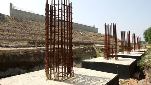 Stavba hradecké dálnice