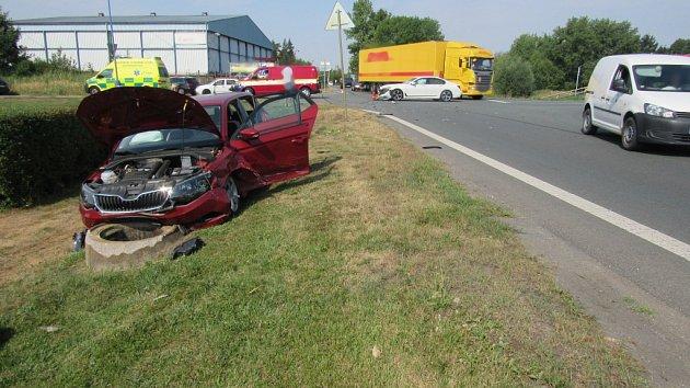 Dopravní nehoda dvou osobních automobilů vBřezhradu.