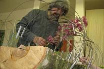 Do Hradce Králové zavítal německý mistr floristického designu Gregor Lersch, kde učil profesory floristické střední školy.