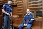 Zahájení hlavního líčení v případu Pavla Cibulky, kterého obžaloba viní z trestného činu znásilnění nezletilé.