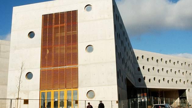 Nová budova vědecké knihovny.