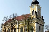 Kostel svatého Antonína Poustevníka vévodí Novému Hradci Králové.