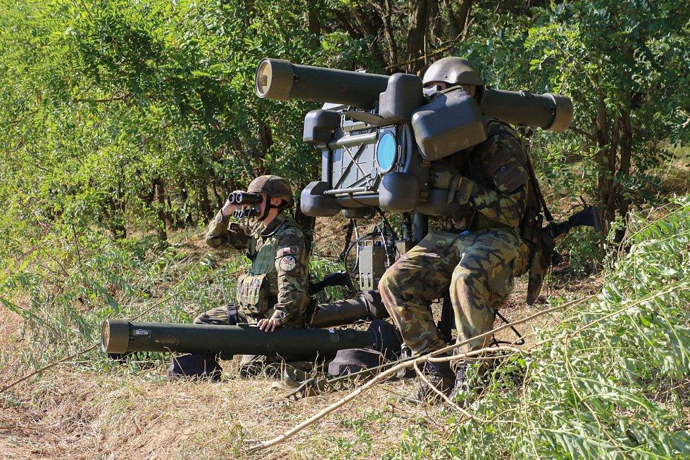 Jednotka je vyzbrojena protiletadlovými raketovými komplety RBS-70.