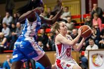 Český pohár basketbalistek: Sokol ZVU Strojírny Hradec Králové - BK Kara Trutnov.