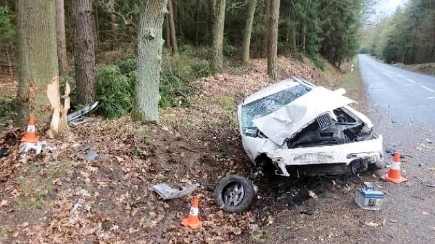 Havárie osobního automobilu na silnici II. třídy č. 298 ve směru na Běleč nad Orlicí.