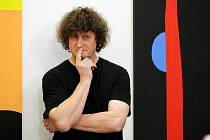 V Galerii moderního umění v Hradci Králové umístil svoji výstavu jeden z nejvýznamnějších představitelů českého výtvarného umění generace 80. let 20. století Stanislav Diviš.