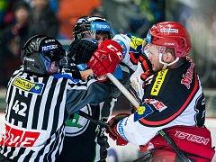 Hokejová extraliga - čtvrtfinále play off: Mountfield HK - BK Mladá Boleslav.
