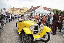 Atraktivní veteráni se sjedou v sobotu do Lázní Bohdaneč. Povede tudy trasa 29. ročníku Mezinárodní veteran rallye Pardubice.