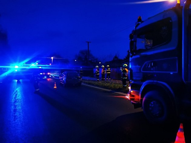 VSadové se srazilo osobní a nákladní auto.