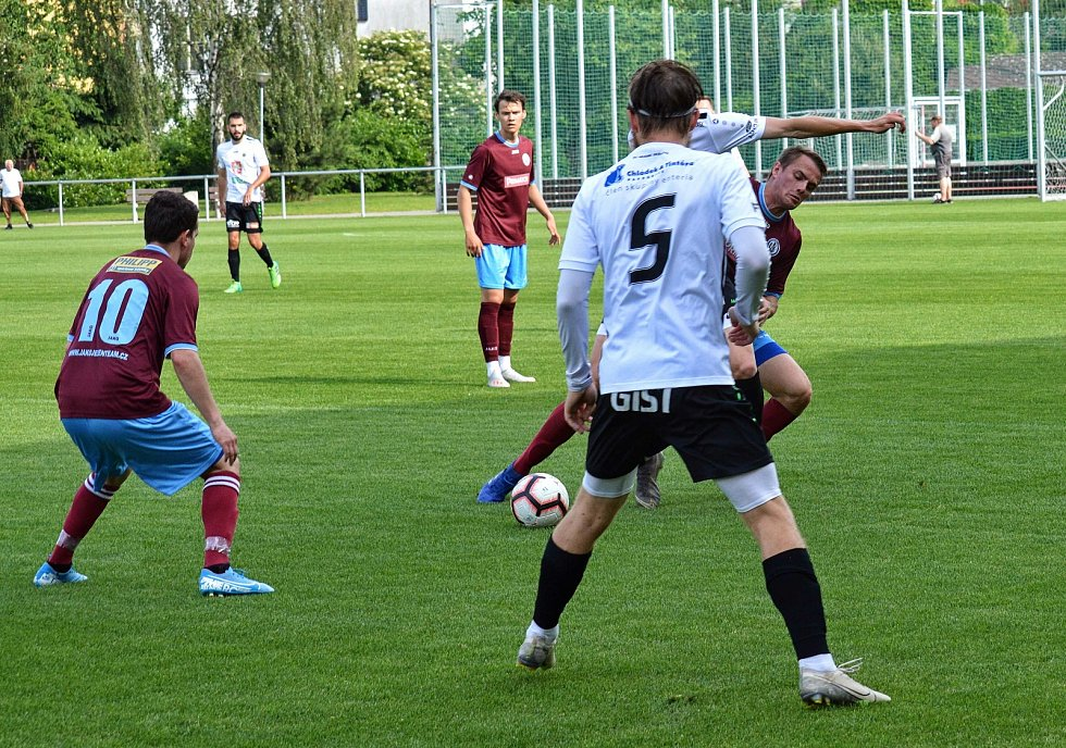 Fotbalový AGRO CS Pohár: FC Hradec Králové B - FK Náchod.