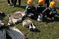 Třiatřicet družstev hasičů závodilo v sobotu v Březhradě v požárním útoku. Při memoriálu zavzpomínali na mladého březhradského hasiče, který zde tragicky zahynul před šesti lety.