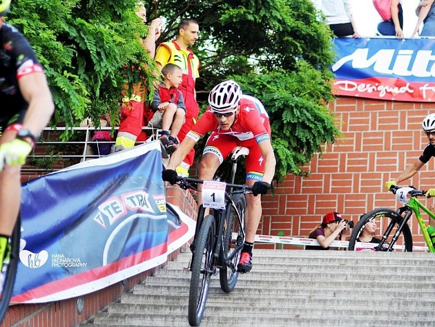 Elitní český biker Jaroslav Kulhavý byl v minulosti ozdobou populárního exhibičního závodu Gočárovy schody